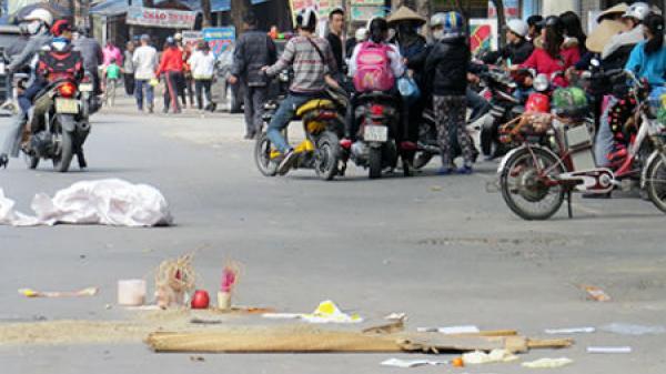 Vĩnh Long: Nam thanh niên điều khiển xe máy va quẹt với xe của bạn, khiến cô gái t.ử vong tại chỗ