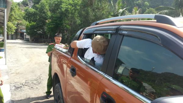 Quảng Ninh: Đập kính ô tô để trộm cắp tài sản