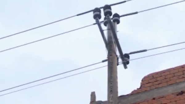 Bạc Liêu: Tháo dỡ công trình xây dựng nhà ở trái phép vi phạm hành lang lưới điện Quốc gia
