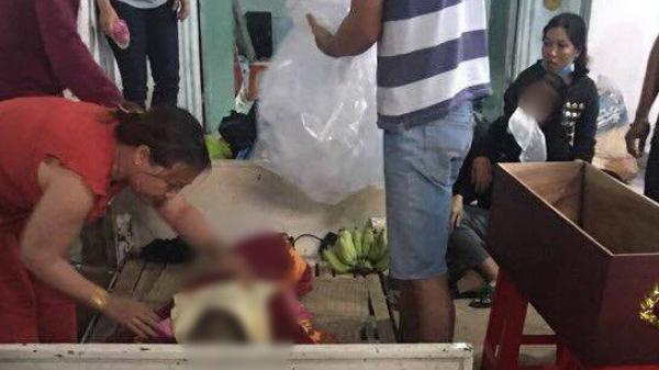 """Vĩnh Long: Bé gái 4 tuổi bị bạn của bố dùng tay đánh đập xuống nền gạch đầu t.ử v.ong, hung thủ bị điều tra về hành vi """"Cố ý gây thương tích"""""""