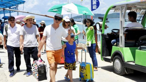 Vì sao huyện Cô Tô (Quảng Ninh) khuyến cáo khách du lịch hạn chế ra đảo?