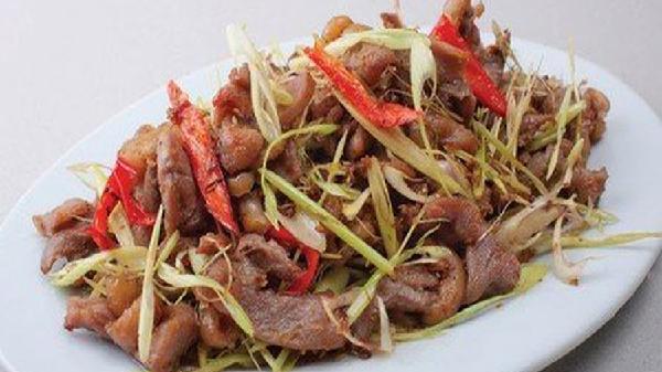 Trời mưa lạnh, làm món thịt ngan xào sả ớt tốn cơm vô cùng