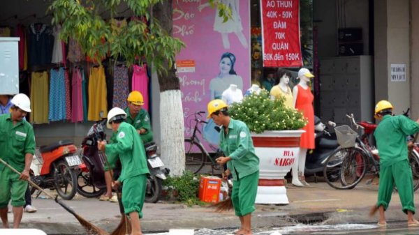 Bạc Liêu: Hàng ngàn công nhân làm vệ sinh phục vụ Ngày hội VH-TT&DL