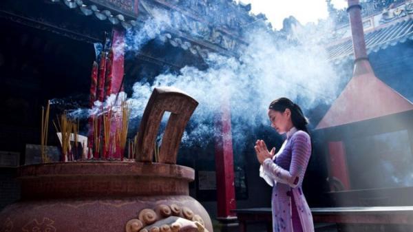 9 điều kiêng kị không nên cầu khi đi chùa, tiếc là nhiều người lại không hề biết