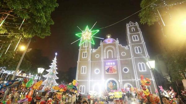 CLIP GÂY SỐT: Quá lung linh và ngập tràn sắc màu, đến nhà thờ lớn Bắc Ninh ngay thôi, Giáng sinh đã về rồi