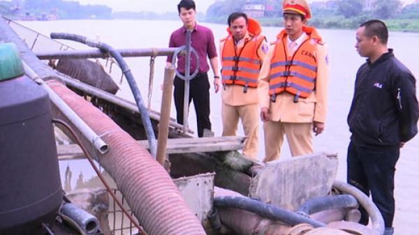 Bắc Ninh: Bắt giữ 1 tàu hút cát trái phép