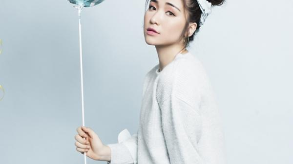 Nữ ca sĩ quê Bắc Ninh Hòa Minzy bớt nam tính bằng loạt ảnh bánh bèo khó tin