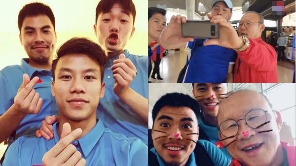 U23 thi nhau selfie nhí nhố sau trận với Jordan, thầy Park cũng chạy khắp sân bay đòi 'tự sướng', kết quả quá hài