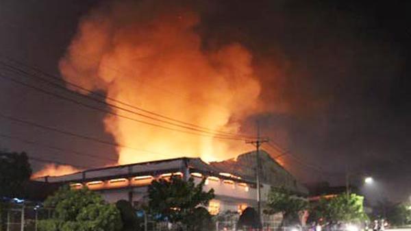 Cháy lớn tại nhà xưởng tại công ty điện tử, thiệt hại hàng trăm triệu đồng