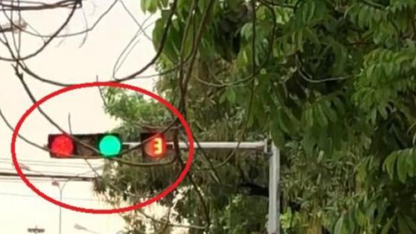 Đèn tín hiệu bị hỏng nhảy lung tung tại Bắc Ninh
