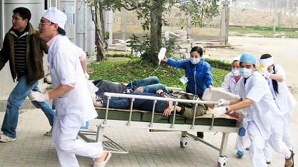216 người nghi ngộ độc sau khi ăn cỗ cưới: Cô dâu, chú rể cũng nhập viện