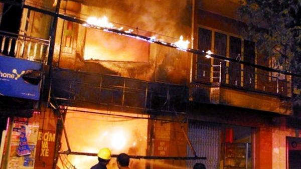 Quảng Ninh: Cháy dữ dội  do chập điện, người dân hoang mang