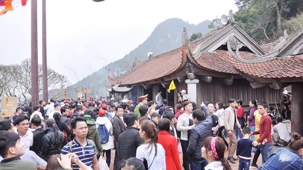 Yên Tử (Quảng Ninh) hút khách nước ngoài mùa không lễ hội