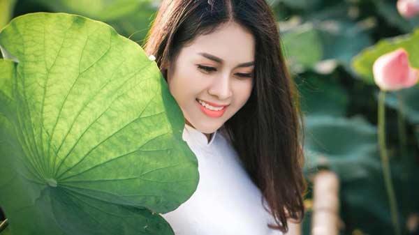 Nhan sắc trẻ trung như gái đôi mươi của hot mom Bắc Ninh khiến nhiều người ghen tỵ