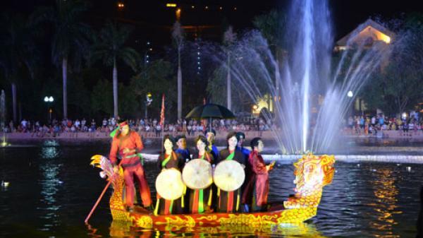 Hấp dẫn đêm hát Quan họ trên thuyền thu hút hàng nghìn người tới thưởng thức tại Bắc Ninh