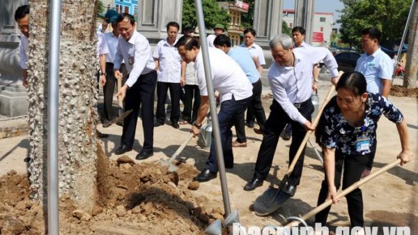 Chủ tịch UBND tỉnh thăm, kiểm tra một số di tích lịch sử - văn hóa trên địa bàn thành phố