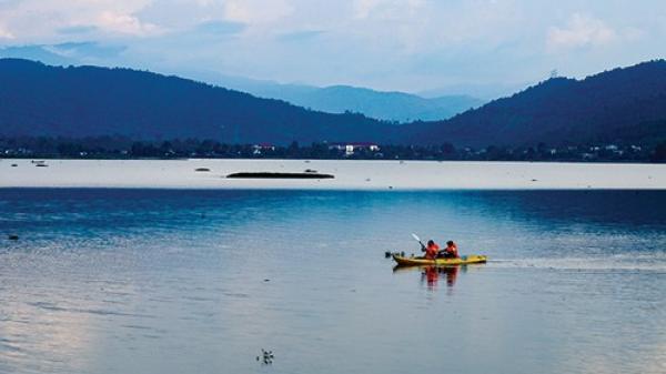 Đắk Lắk: Thong thả dạo chơi ở hồ Lắk
