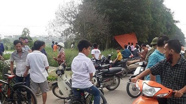 Bắc Ninh: Phát hiện xác chết đang phân hủy bên lề đường