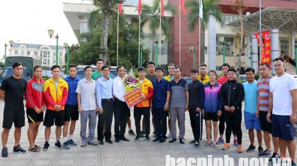 Phó Chủ tịch UBND tỉnh Nguyễn Văn Phong thăm, động viên các VĐV thi đấu tại Đại hội TDTT toàn quốc