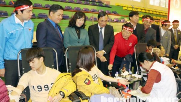 Bắc Ninh: Hơn 1.400 đoàn viên thanh niên tham gia hiến máu tình nguyện