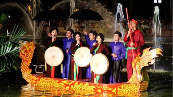 """Bắc Ninh: Đêm diễn xướng """"Tứ hải giao tình"""" thu hút hàng nghìn khán giả"""