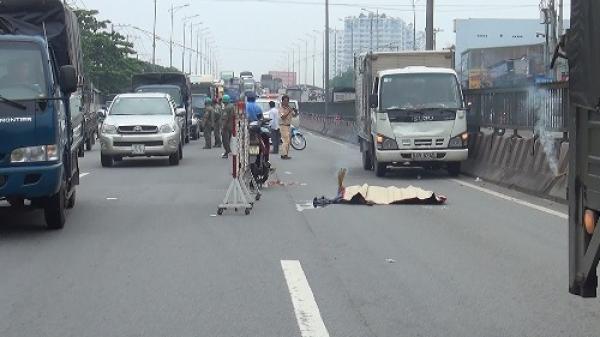 Xe ba gác bị lật khi vào cua, tài xế 17 tuổi tử vong thương tâm