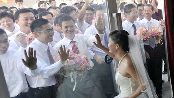 """Không lâu nữa Hơn 4 triệu đàn ông Việt Nam sẽ """"Ế vợ"""""""