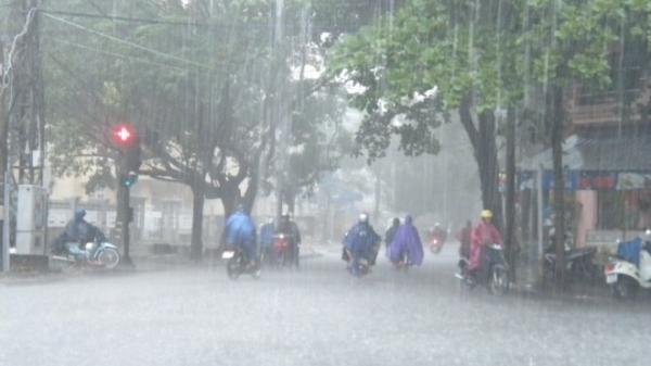 Tối trung thu: Cảnh báo các tỉnh Bắc bộ có mưa to đến rất to