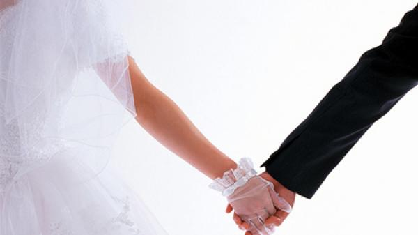 Giới trẻ đua nhau cưới hai lần và những chuyện dở khóc dở cười