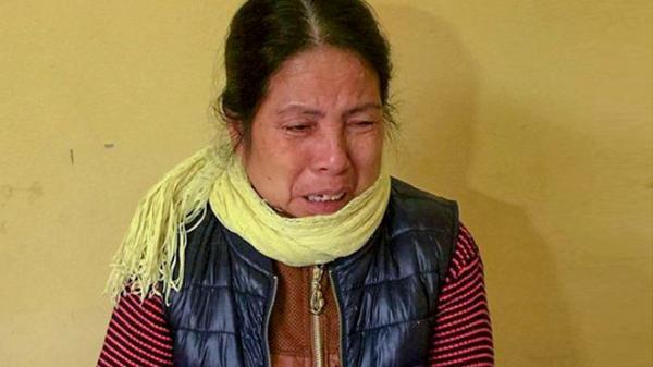 """Bà giúp việc khóc nấc tại cơ quan công an: """"Cháu khóc, tôi dỗ không được, bức xúc nên lấy tay vả vào đầu cháu"""""""