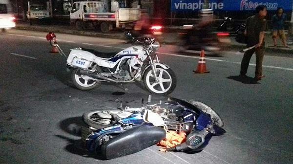Bến Tre: Truy đuổi đối tượng vi phạm, xe CSGT tông chết người