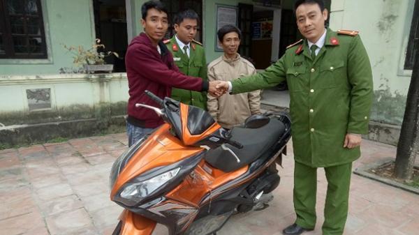 Từ Bến Tre ra Nghệ An nhận lại xe máy bị mất trộm 1 năm trước