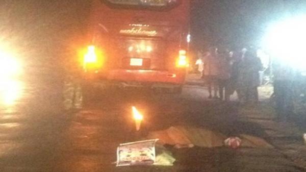 Xe khách Phương Trang tông chết người đàn ông trên đường về quê tối mùng 1 Tết