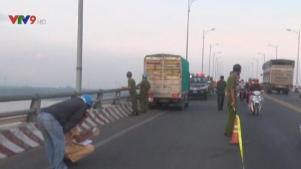 Bến Tre: Va chạm giữa xe tải và xe gắn máy, 1 người thiệt mạng