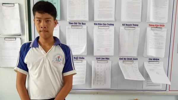 Nhặt được ví, cậu học sinh nghèo Bến Tre gửi công an trả cho người bị mất