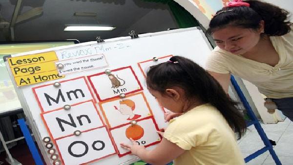 Bến Tre thí điểm trẻ mầm non làm quen với ngoại ngữ