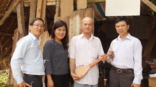 Nghệ nhân Sơn Bá - người con của Bến Tre với nhạc cụ Dừa