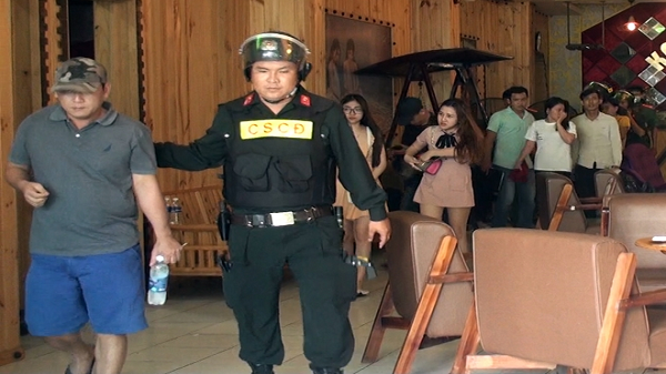 Nhóm đối tượng bán m.a tú.y trong quán karaoke ở Bến Tre lãnh án