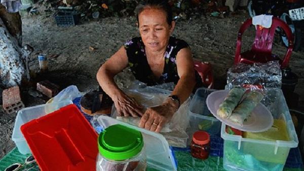 Hàng chả cá cuốn bánh tráng duy nhất trên đảo Cù Lao Xanh