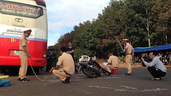 Phó Hiệu trưởng trường tiểu học tử nạn dưới bánh xe khách