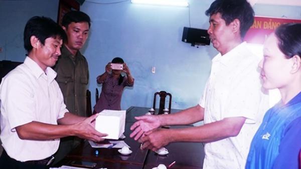 Vụ phát hiện vàng trong bao lúa ở Bình Định: Số vàng được bàn giao cho xã