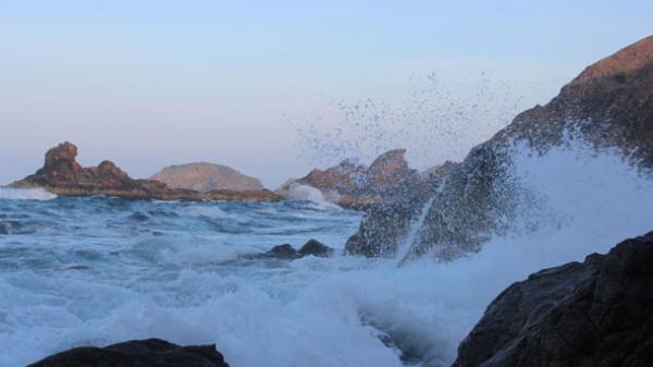Eo Gió - vẻ đẹp kỳ lạ của đá và biển