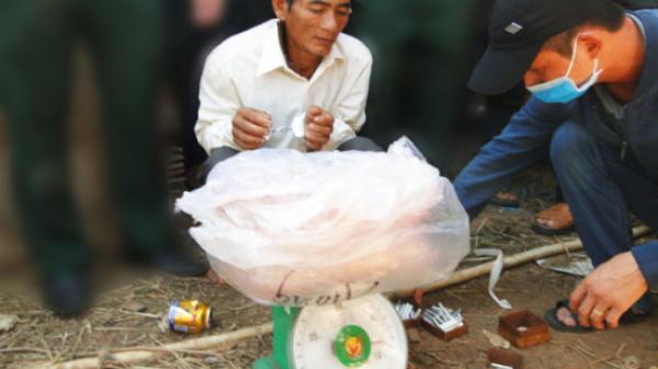 Bình Định: Bắt đối tượng tàng trữ, vận chuyển thuốc nổ