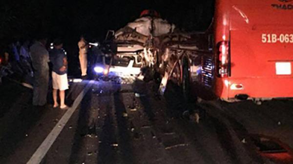 Khánh Hòa: 7 người nhập viện sau cú đâm trực diện của hai xe khách