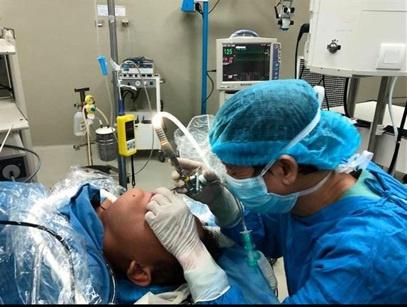 Đà Nẵng: Gắp thành công con đỉa ra khỏi cổ họng bệnh nhân