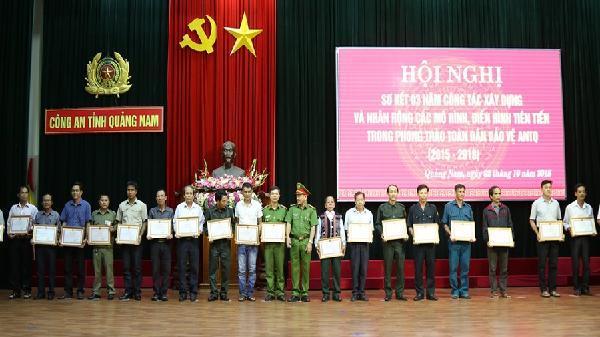Bình yên thôn Phong Phú
