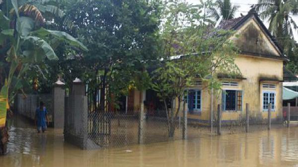 Bình Định, Quảng Ngãi thiệt hại nặng nề do mưa lũ