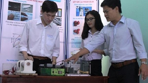TP Quy Nhơn: Làm màng nhựa sinh học bằng thiết bị phun điện tự chế