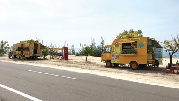 Bình Thuận: Quán giải khát lưu động trên đường Hòa Thắng - Phan Rí