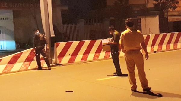 Bình Dương: 2 nam thanh niên thương vong khi va chạm với container